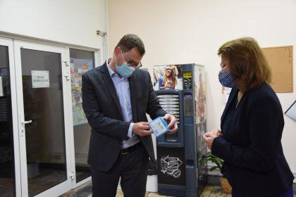 Plynári zSPP – distribúcia darovali respirátory arúška seniorom vslovenských mestách