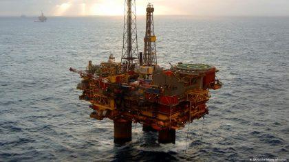 Veľká Británia sa nezaviaže kzastaveniu nových prieskumov fosílnych palív